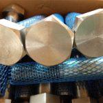 veliki dovodni mehanski pritrdilni elementi, visoko pritrdilni vijak in matica